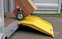 Eagle 179 750 lb Yellow High Density Polyethylene (HDPE) Ramp - 36 in Overall Length - 35 in Width - 6 in Height - 00292