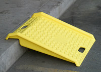 Eagle 179 1000 lb Yellow High Density Polyethylene (HDPE) Ramp - 27 in Overall Length - 27 in Width - 4 in Height - 00175